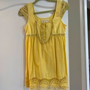 Adorable top! Size M. Only worn a few times